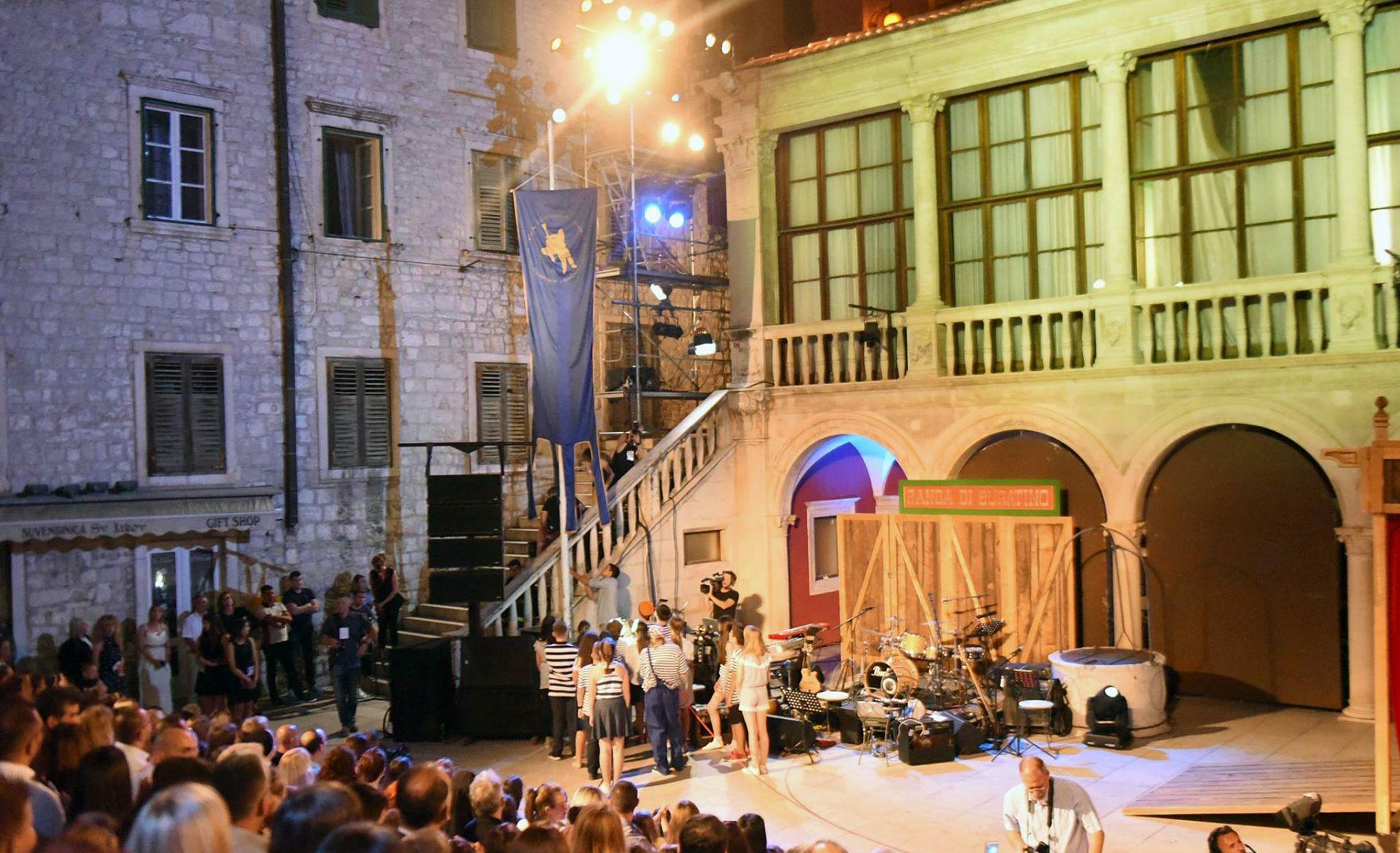 Mjuziklom 'Buratino' u Šibeniku otvoren 57. Međunarodni dječji festival