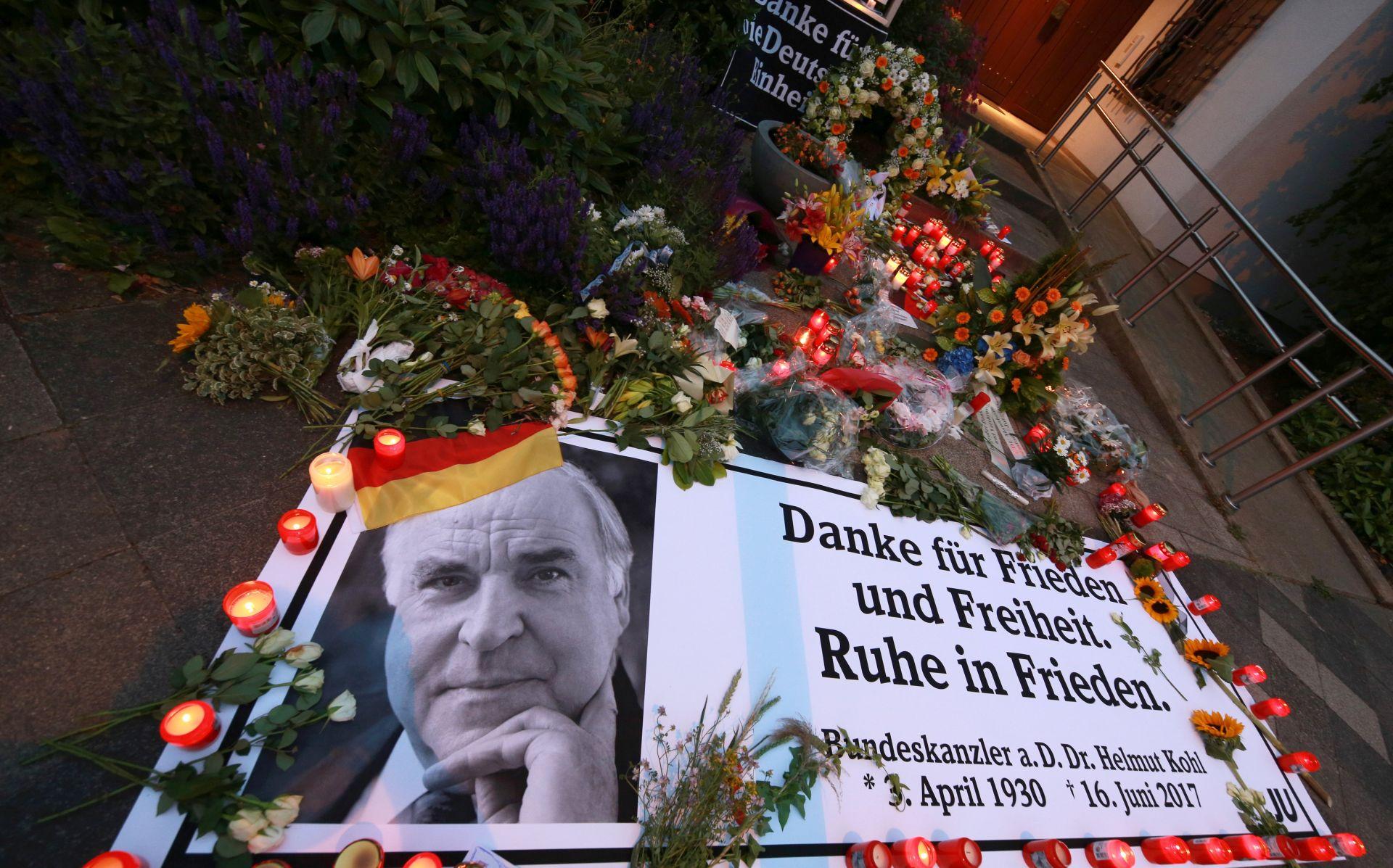 Pripreme za europsku ceremoniju u povodu smrti Helmuta Kohla