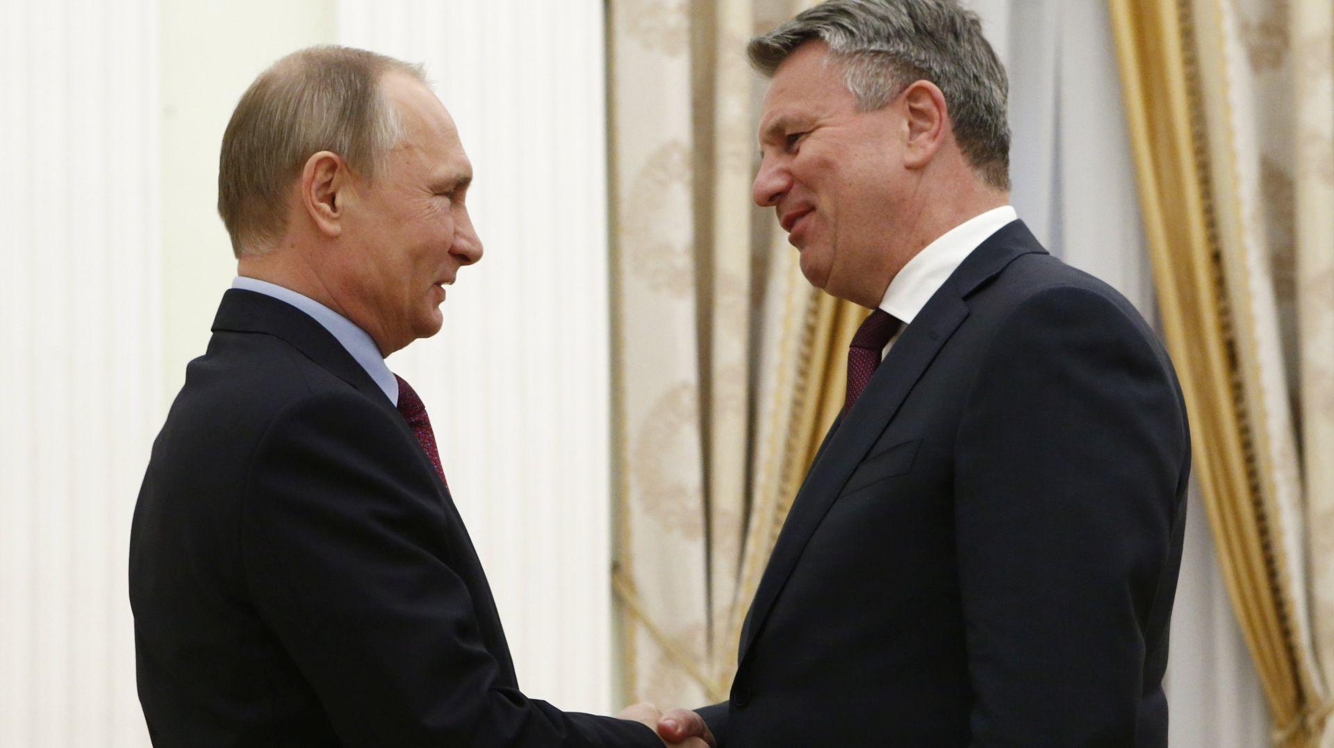 Trinaest zemalja EU-a traži da EK pregovara s Rusijom o plinu