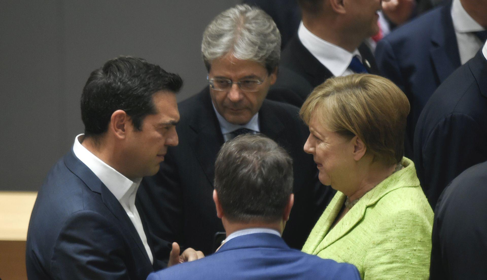"""Merkel smatra ponudu Therese May """"dobrim početkom"""", no mnoga pitanja ostaju"""
