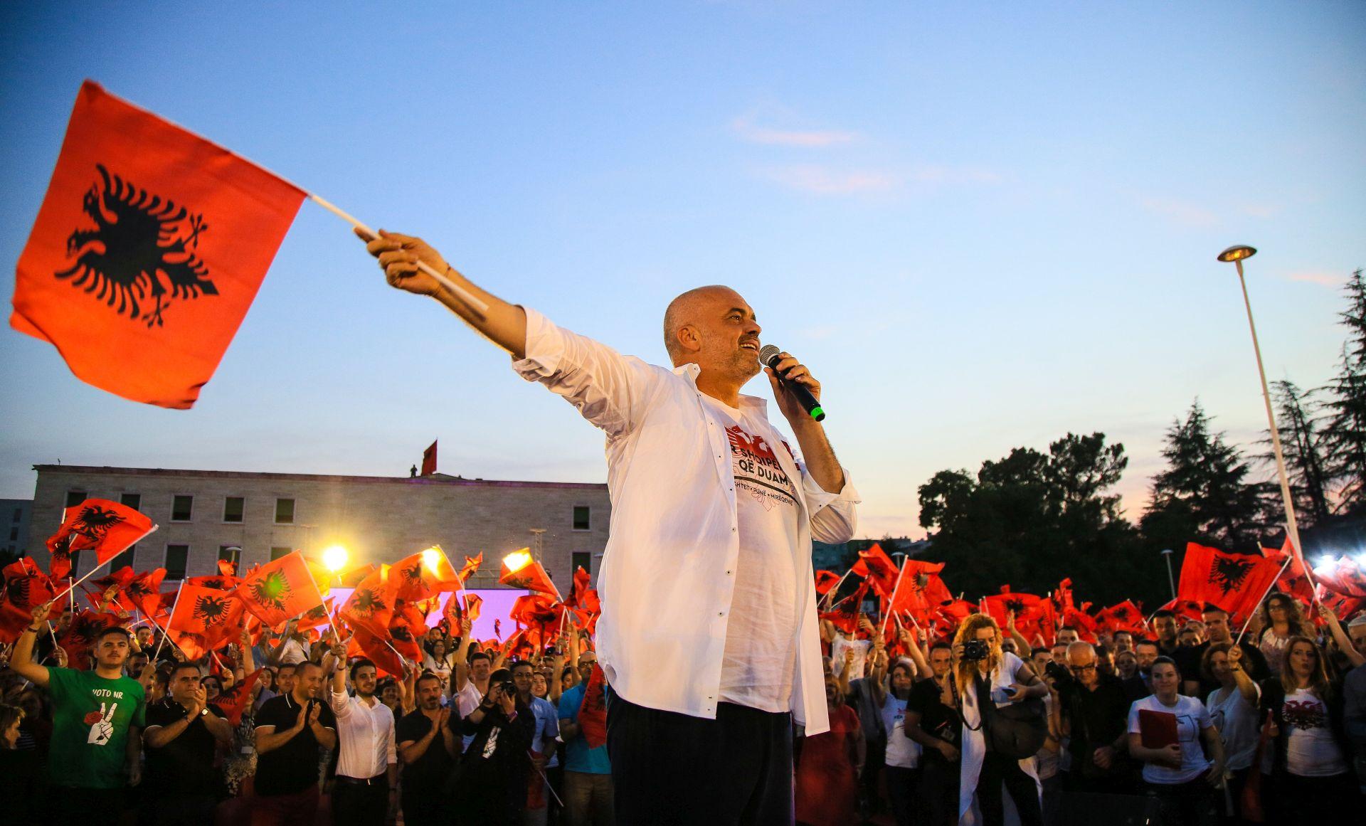 Albanski vladajući socijalisti osvajaju jasnu većinu na izborima