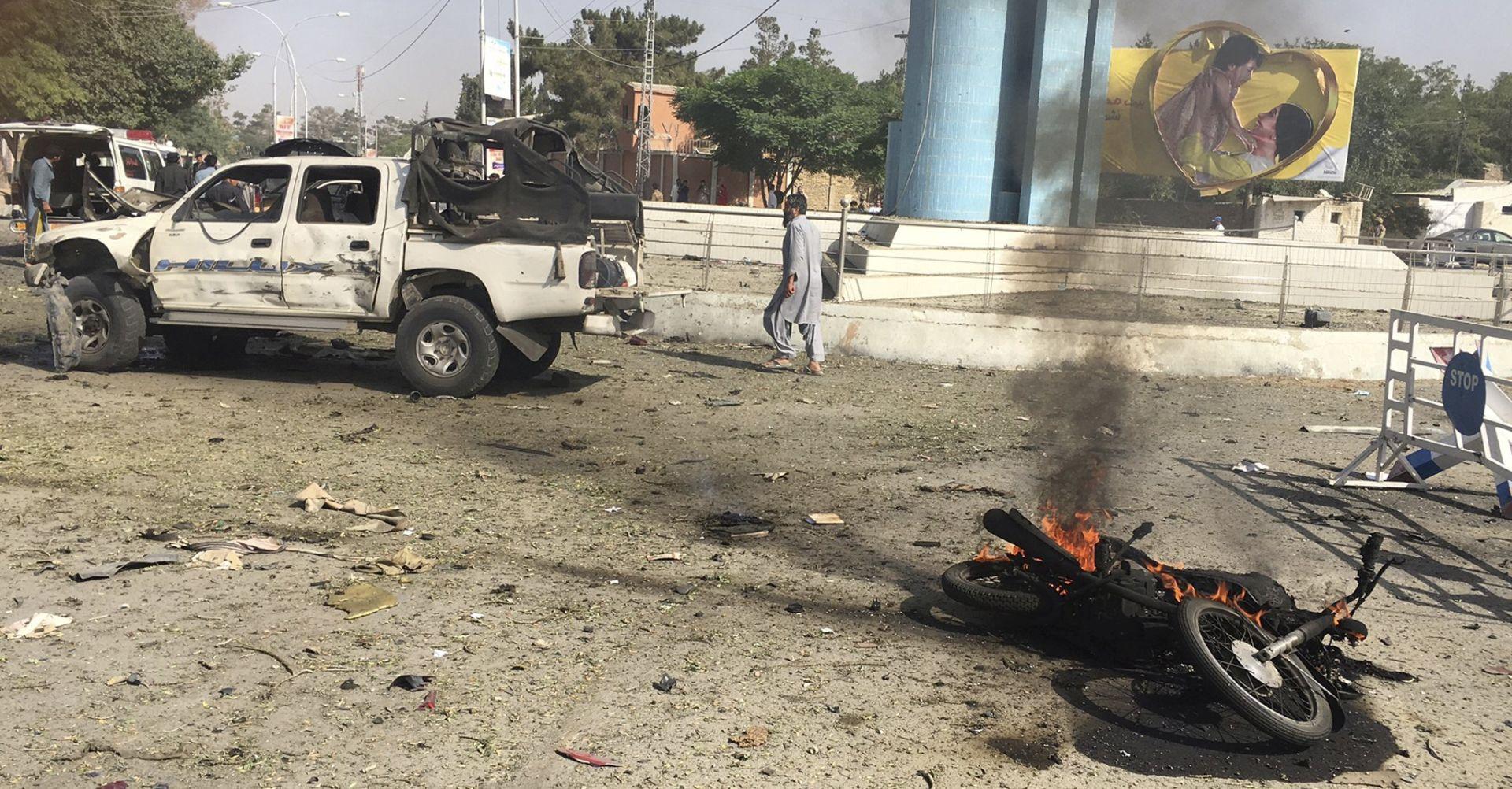 U odvojenim eksplozijama u Pakistanu ubijeno gotovo 30 ljudi