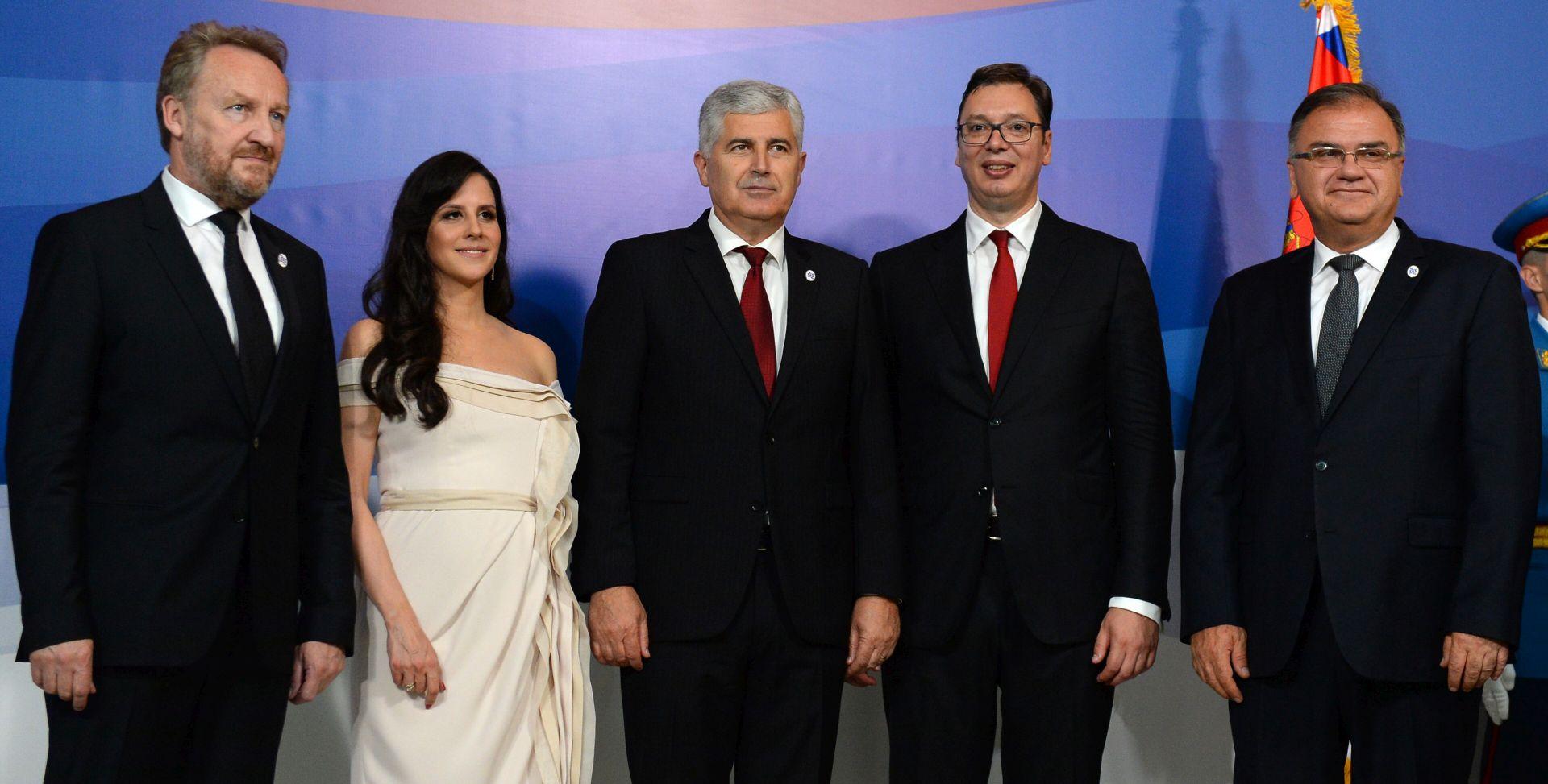 Vučić rekao kako se Srbija mijenja i kako je vrijeme da prijeđe provalije prošlosti prema susjedima
