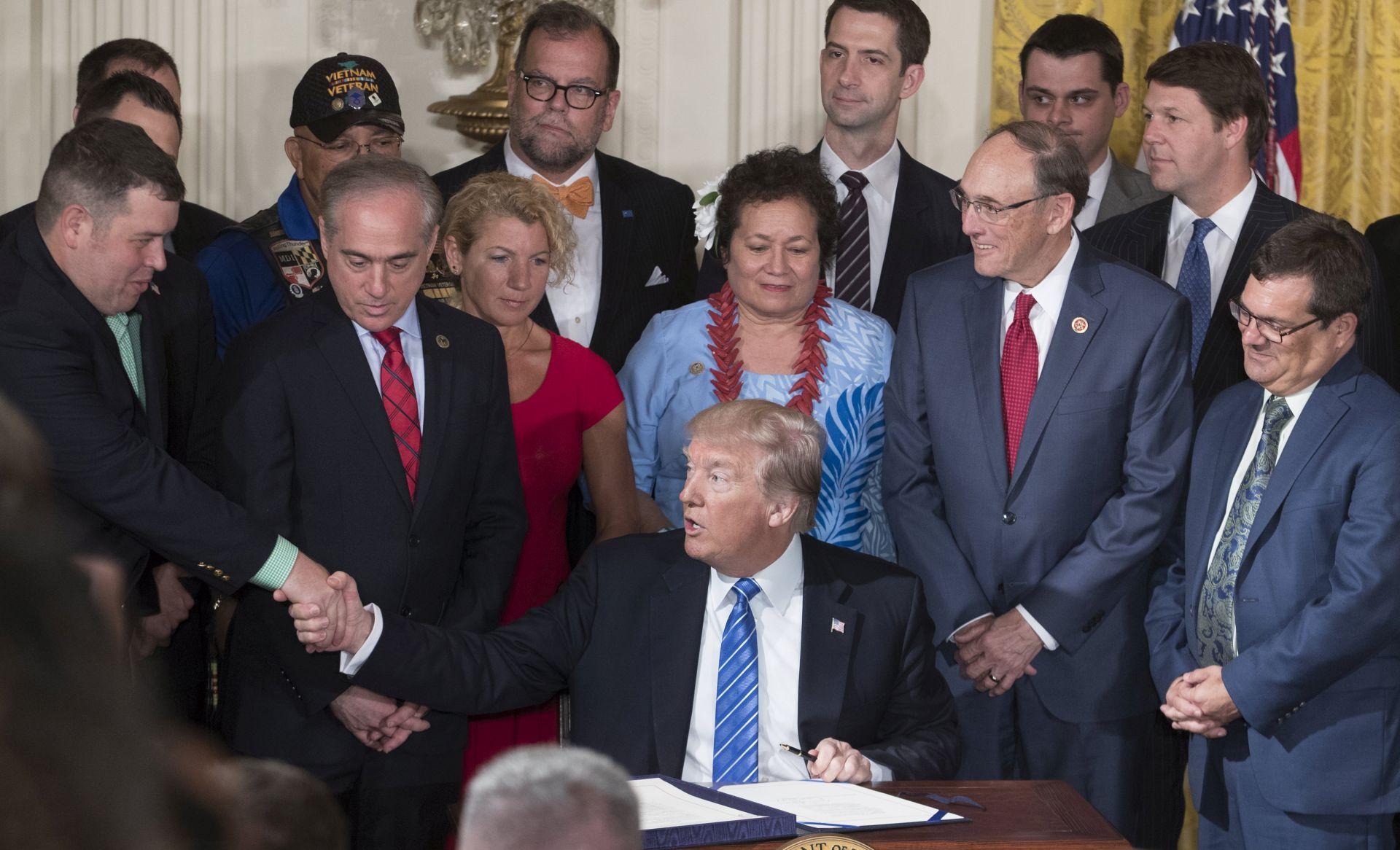 Trump potpisao zakon o boljoj skrbi za veterane