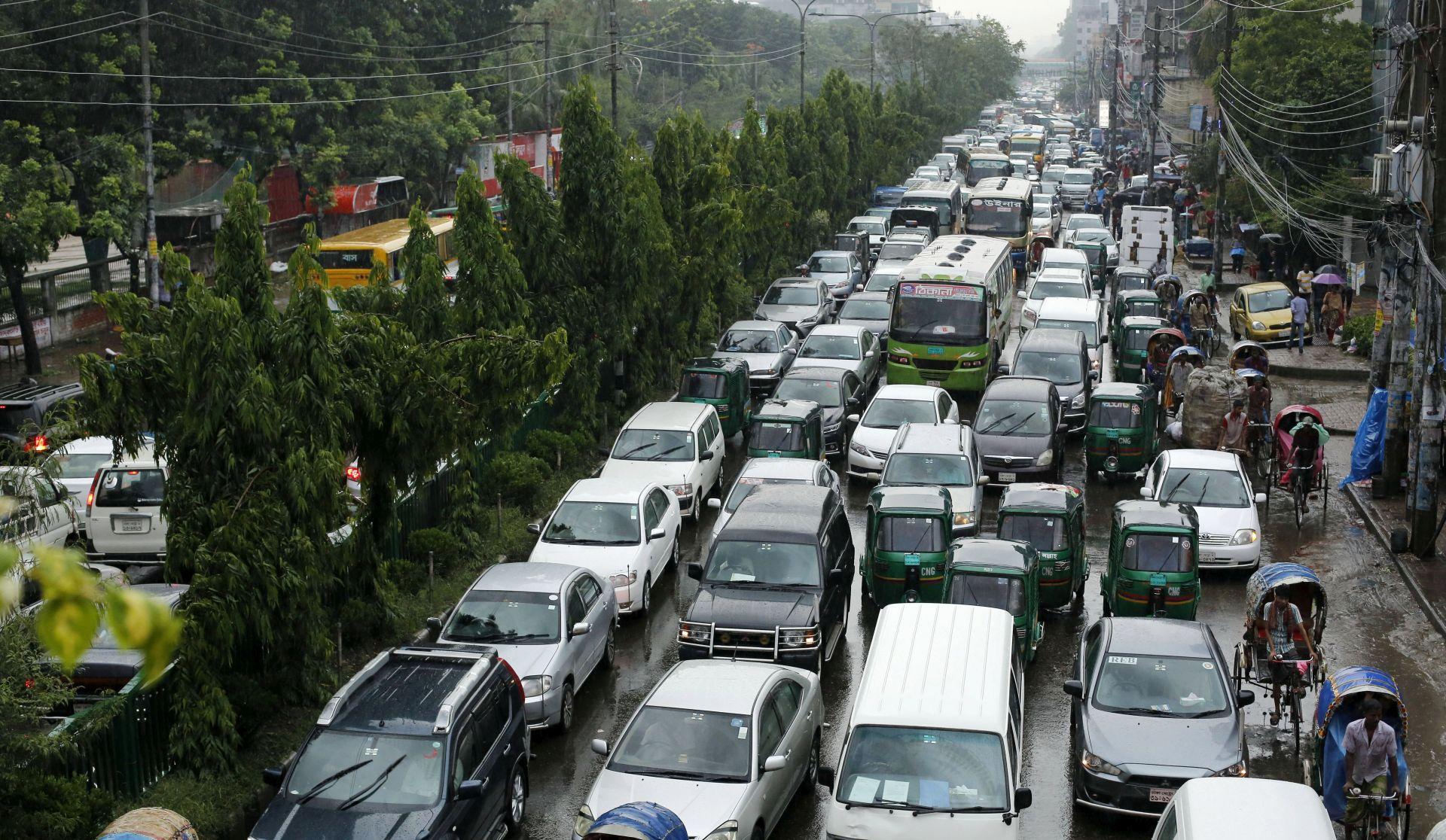 """Osiguravatelji upozoravaju na problematičan izraz """"autonomnih"""" vozila"""