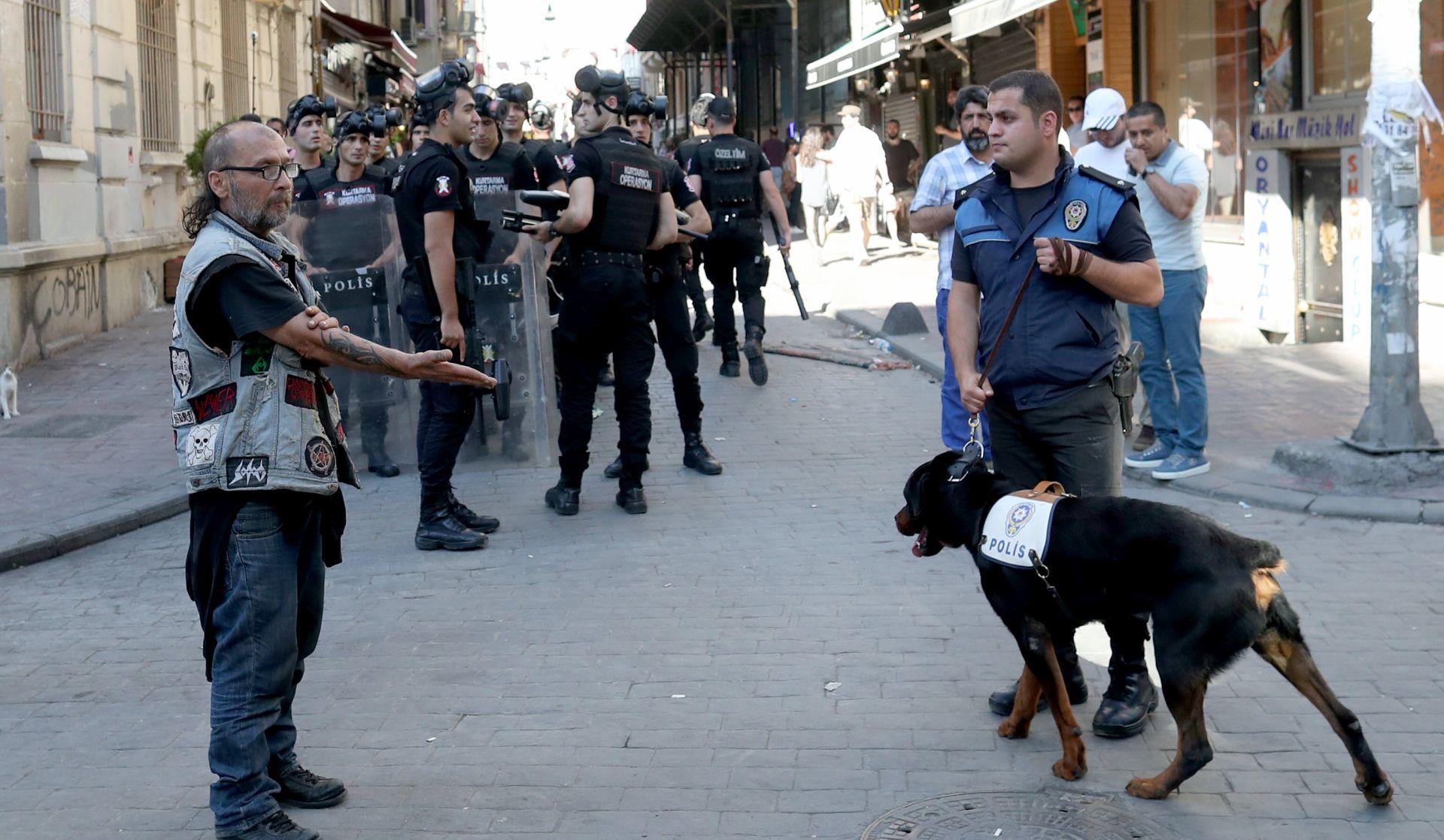 Policija spriječila održavanje Gay Pridea u Istanbulu