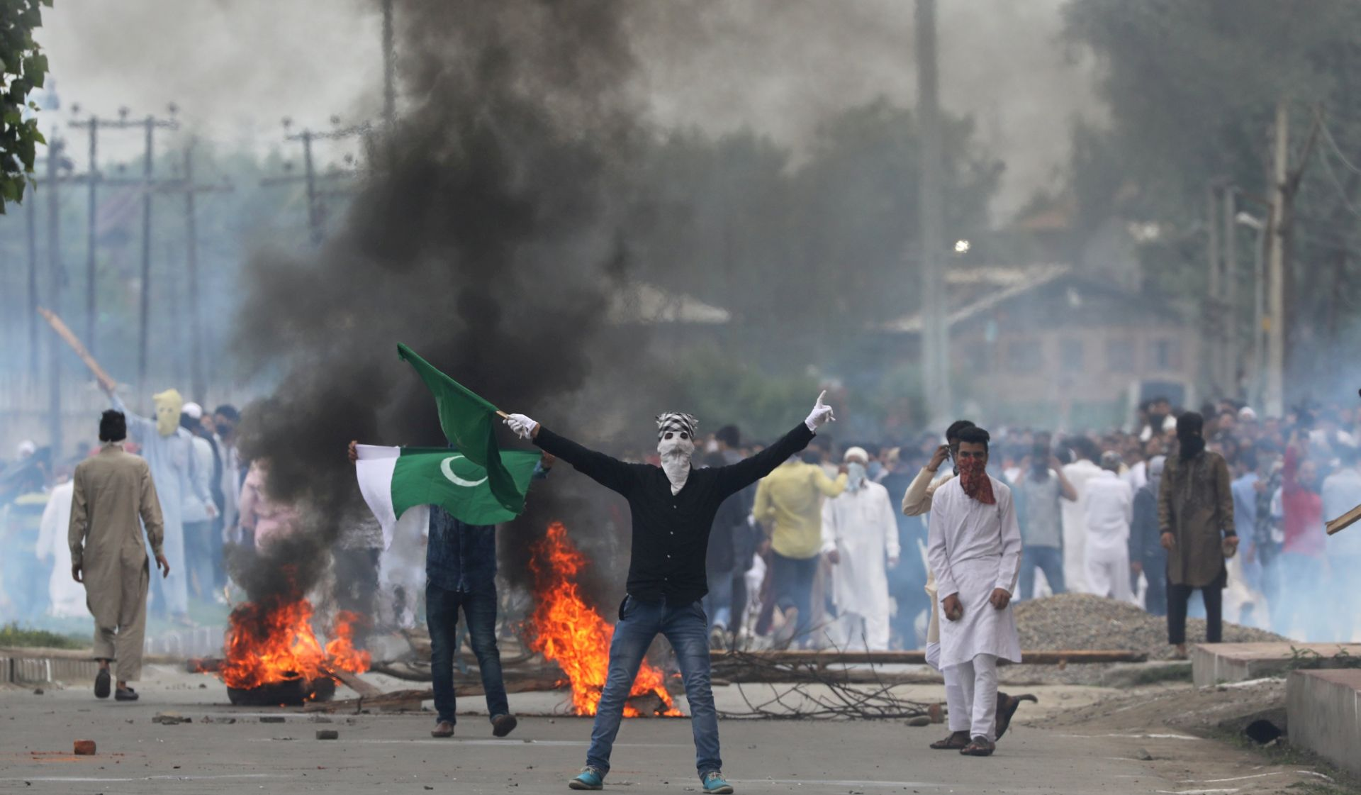 Policija bacila suzavac na prosvjednike u Kašmiru
