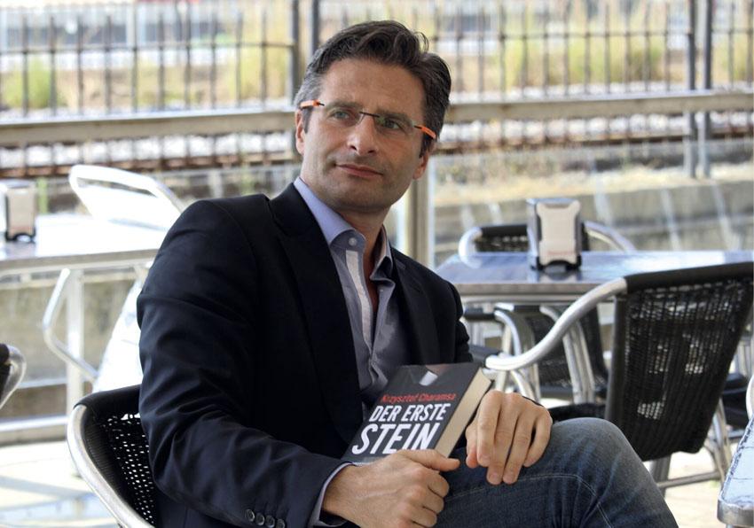 INTERVJU Krzysztof Charamsa: 'POLOVICA LJUDI UNUTAR I NA VRHU KATOLIČKE CRKVE JE GEJ'