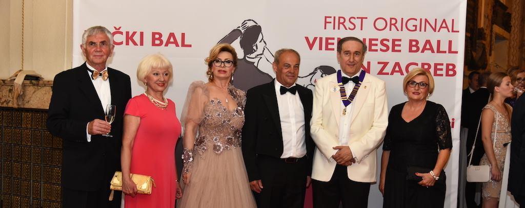 FOTO: Austrijski i hrvatski uglednici plesali na humanitarnom Bečkom balu
