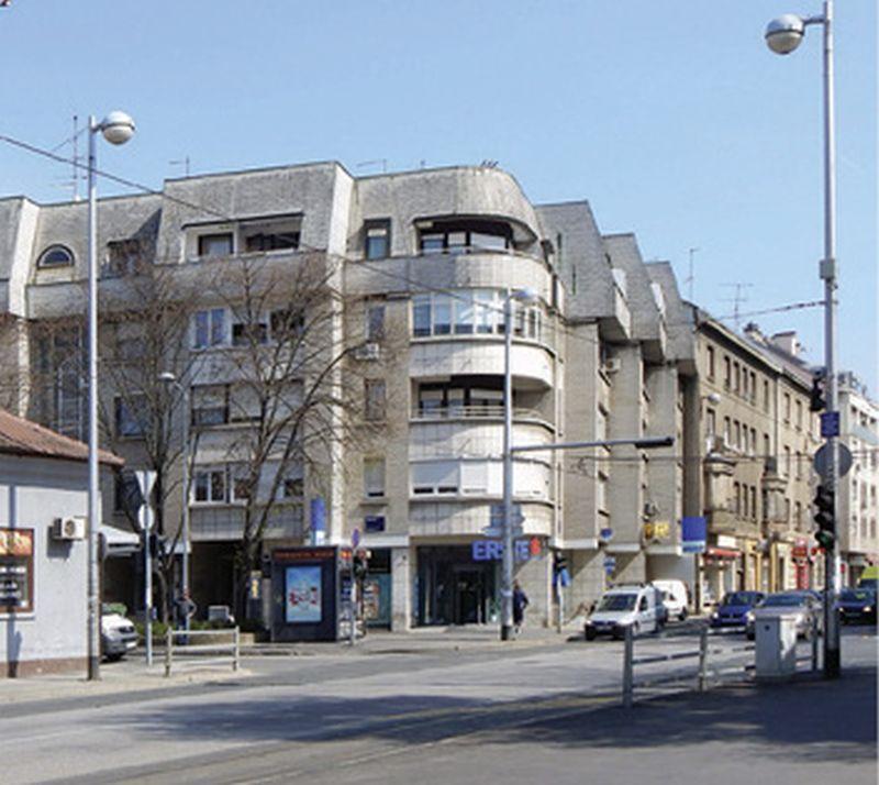 LIKOVNO POVEĆALO Arhitektura Črnomerca – od antologijskih djela do recentnih užasa