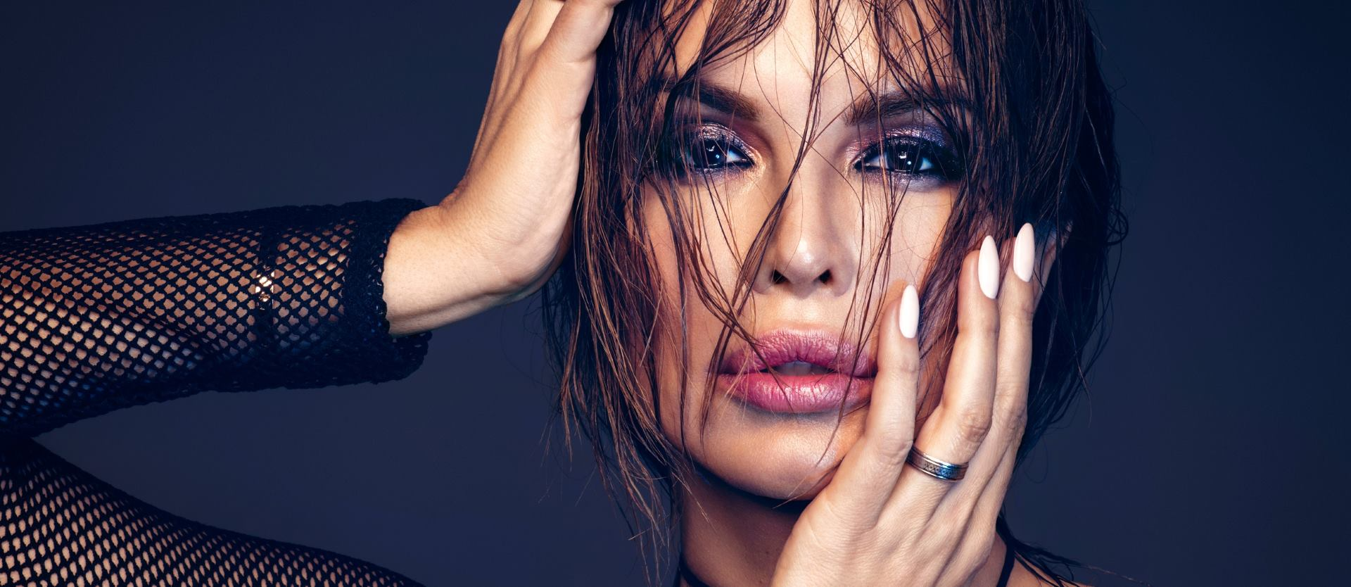 FOTO: Severina najavljuje novi single – 'Mrtav bez mene'
