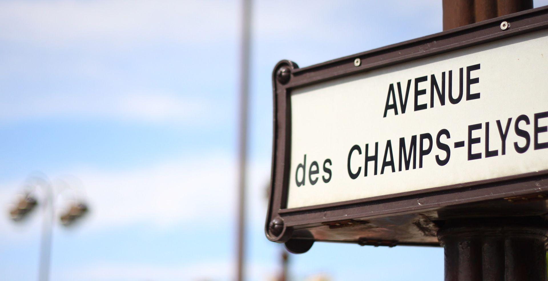 PARIZ Evakuiran Champs-Elysees, osumnjičenik se autom zabio u policijski kombi
