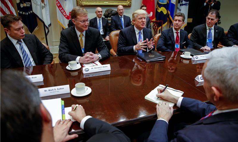 Musk i Iger napuštaju Trumpov savjet zbog izlaska SAD-a iz Pariškog sporazuma