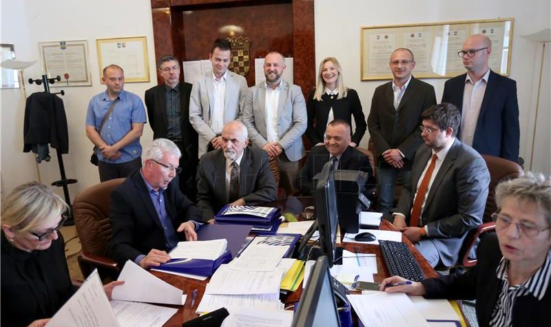 OSIJEK Većinu u Gradskom vijeću čine koalicija SDP-HNS-ANU te Most i HDSSB