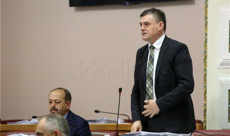 HSS pozvao vladajuće da prestanu s političkom trgovinom i organiziraju poljoprivrednu proizvodnju