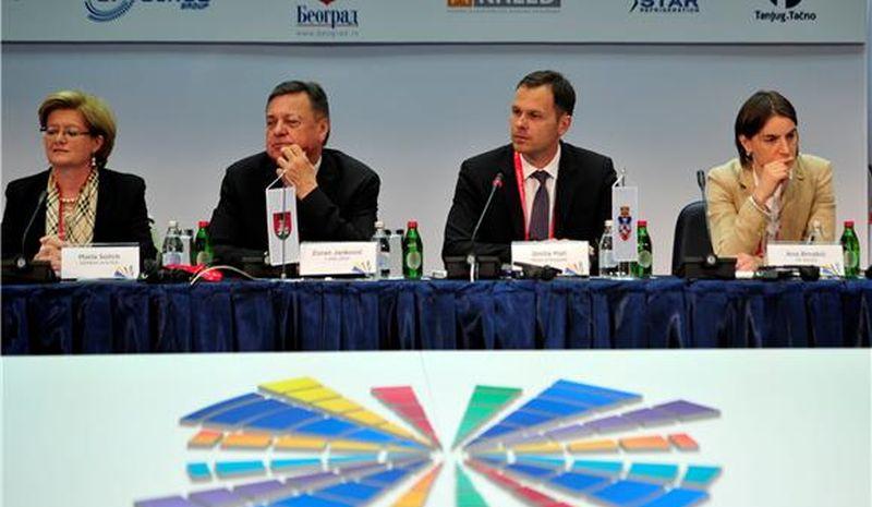 Podijeljena mišljenja o kandidaturi Ane Brnabić, oporba optužuje Vučića da je podlegao utjecaju Zapada
