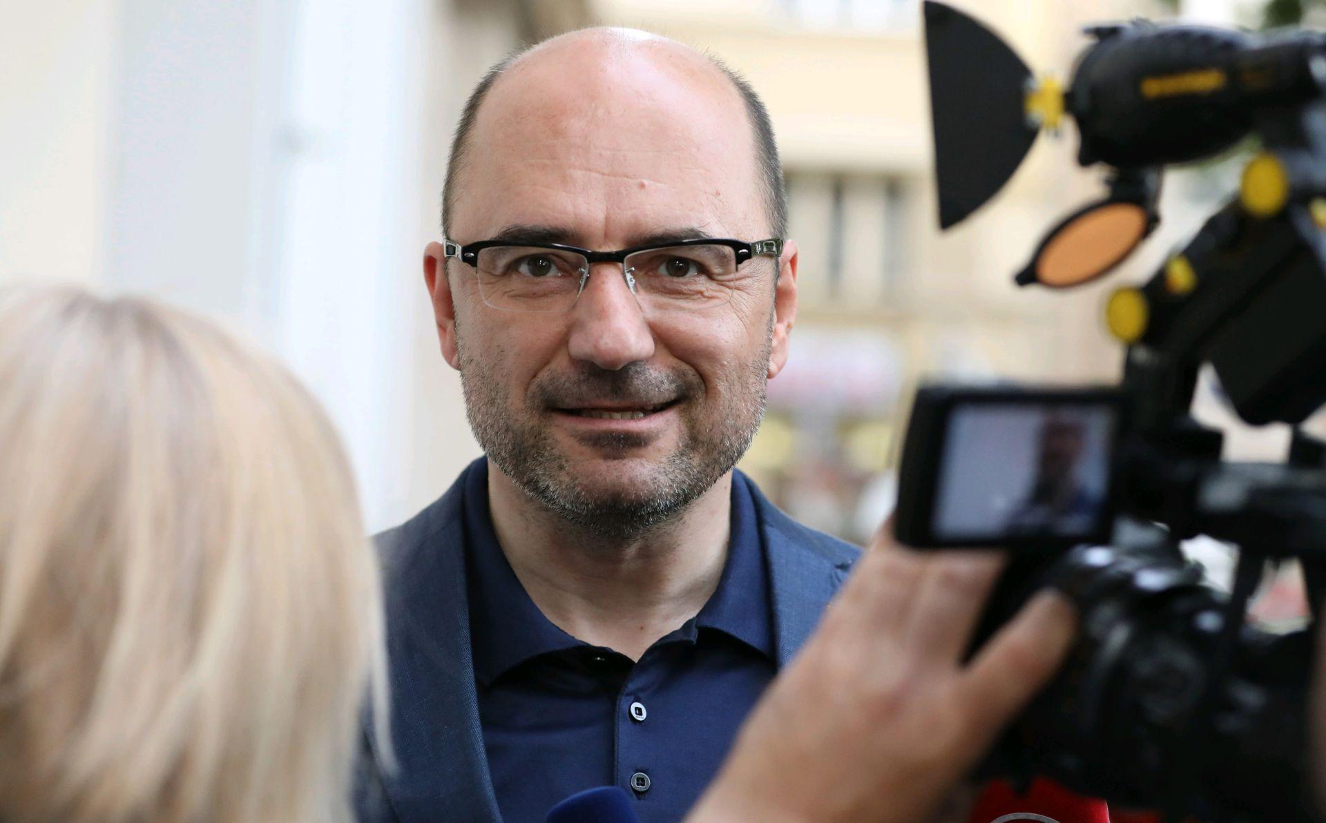 M. Brkić nakon prometne nesreće pušten iz bolnice, ispričao se vozačici tramvaja i svima zbog neugodnosti