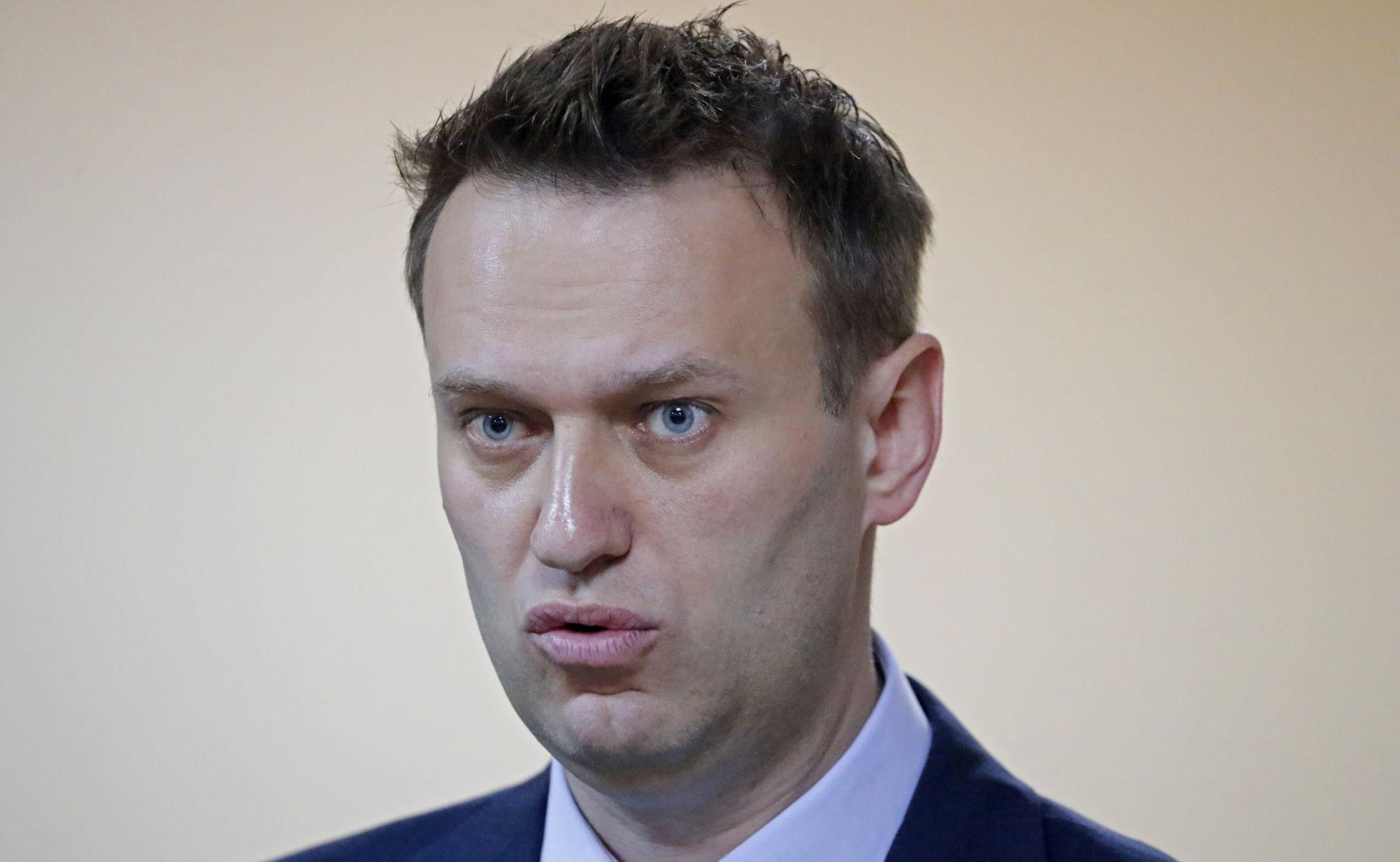 Ruski istražitelji pretresli izborne stožere kritičara Kremlja Navalnija