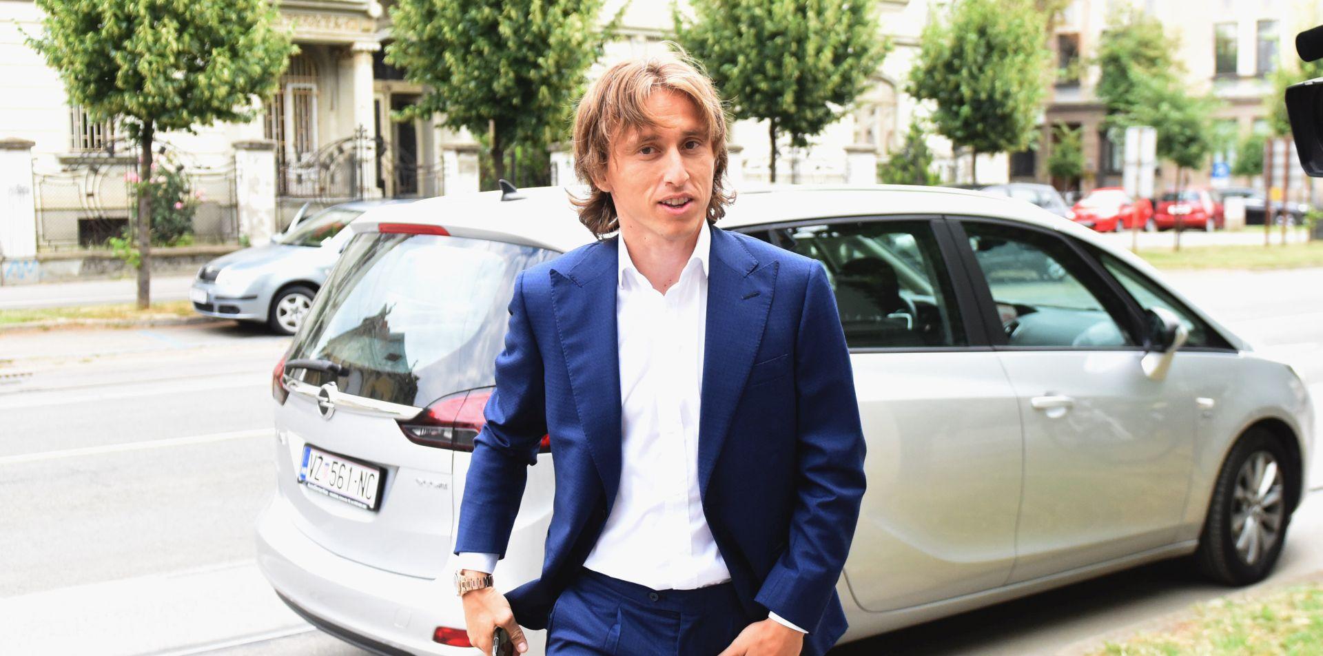Luka Modrić došao na ispitivanje u osječko Općinsko državno odvjetništvo