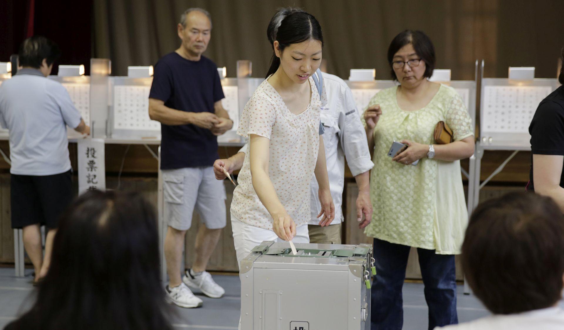 Abeov LDP doživio povijesni poraz na lokalnim izborima u Tokiju