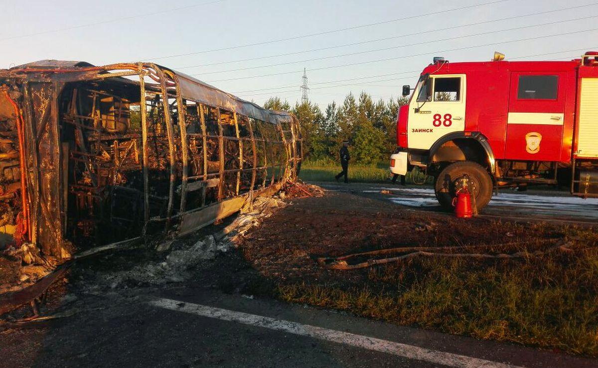 U Rusiji 14 mrtvih u sudaru kamiona i autobusa