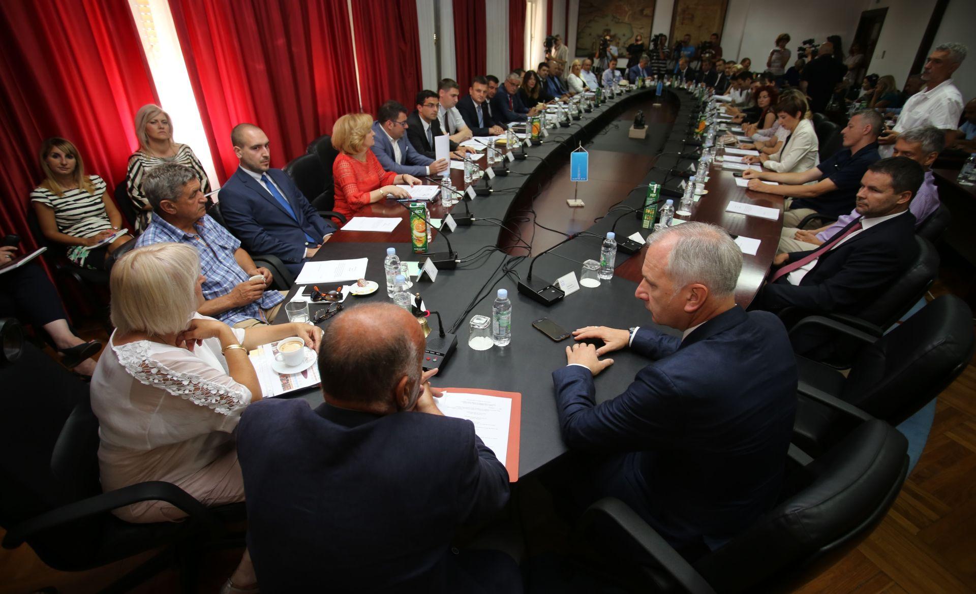 Odgođeno konstituiranje splitskog Gradskog vijeća radi koalicijskih pregovora HDZ-a i HGS-a