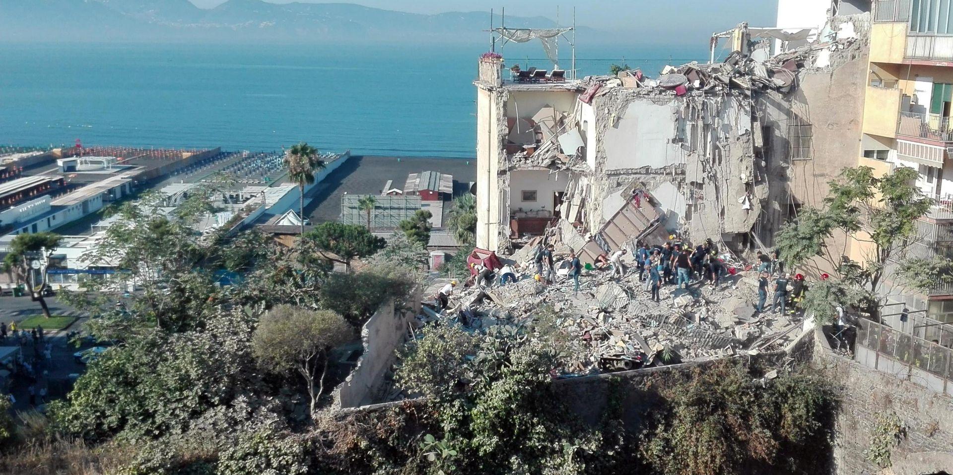 NAPULJ Urušila se stambena zgrada, nestalo osmero ljudi