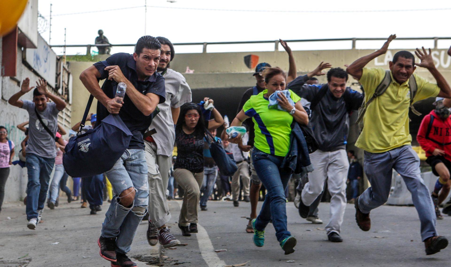 Venezuelska opozicija tvrdi da je tijekom referenduma ubijeno dvoje ljudi