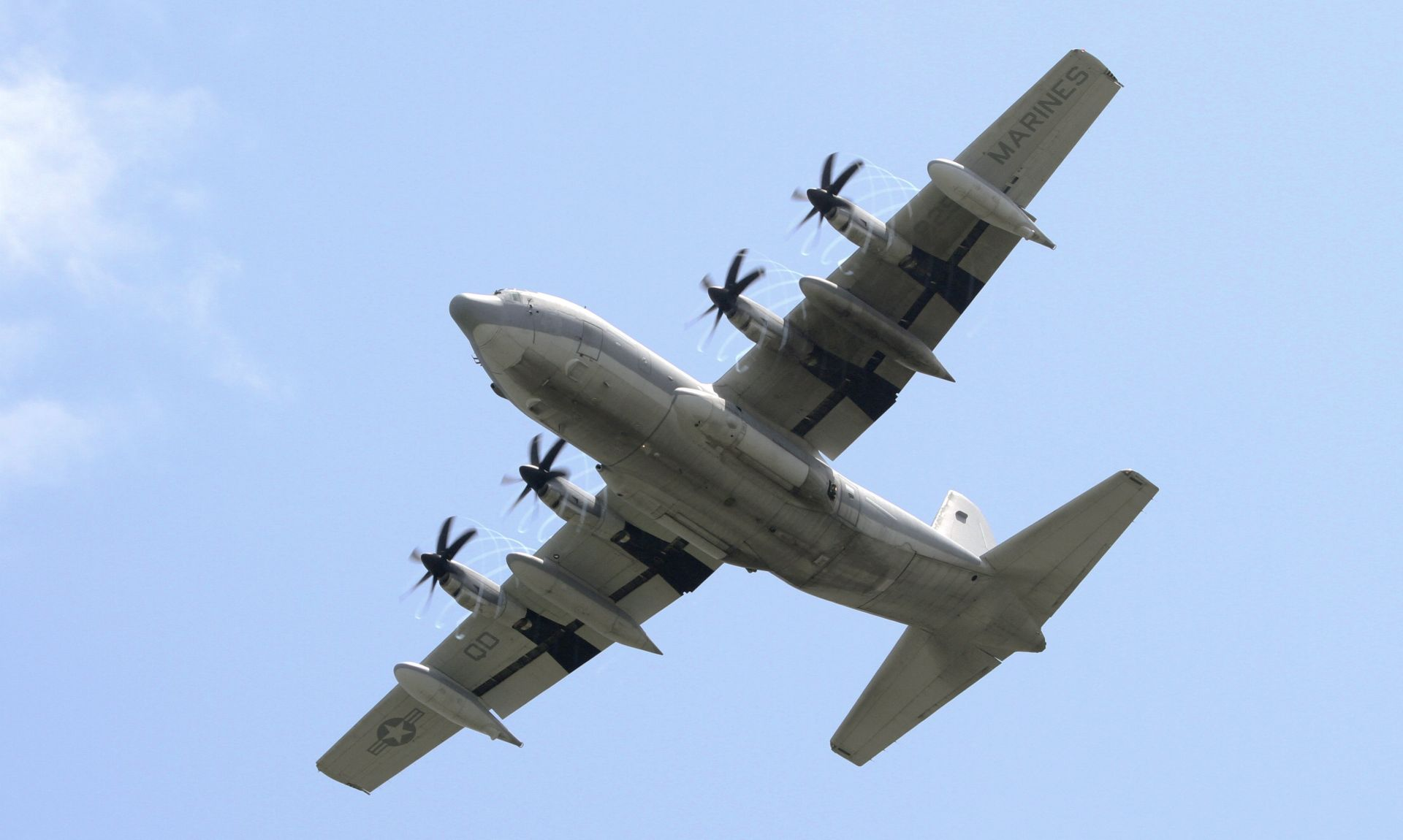 Srušio se američki vojni zrakoplov, poginulo 16 osoba
