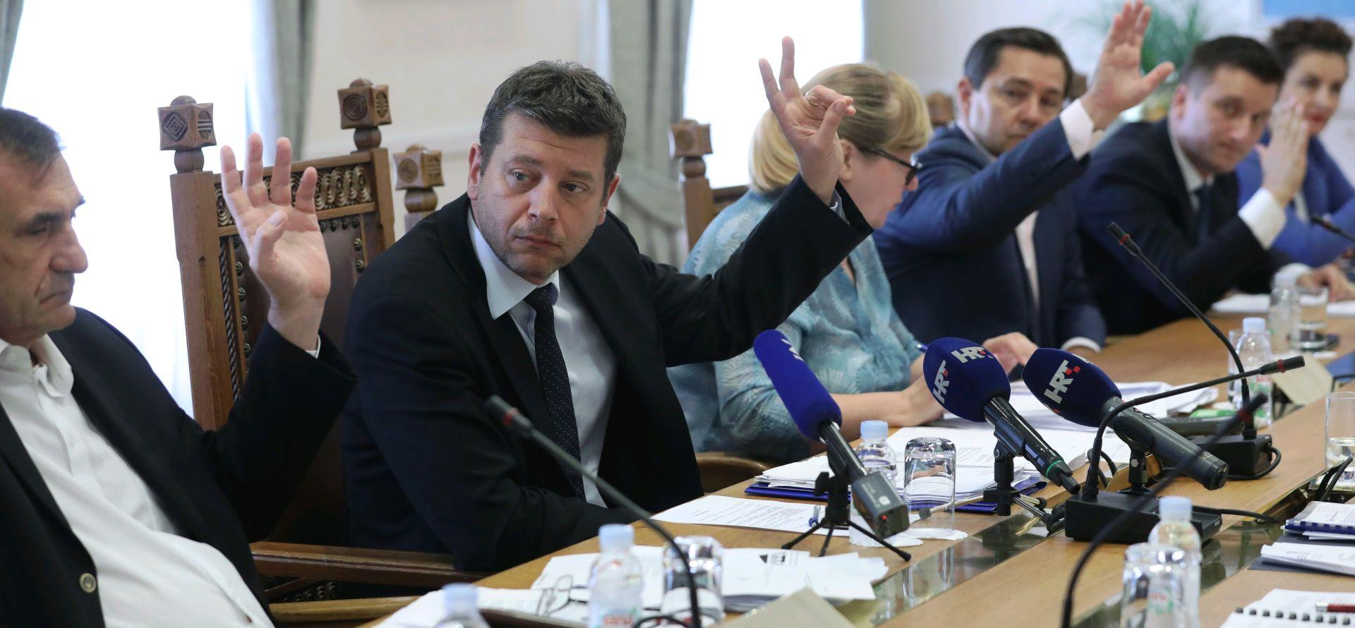 Odbor za medije većinom glasova zatražio smjenu Nadzornog odbora HRT-a