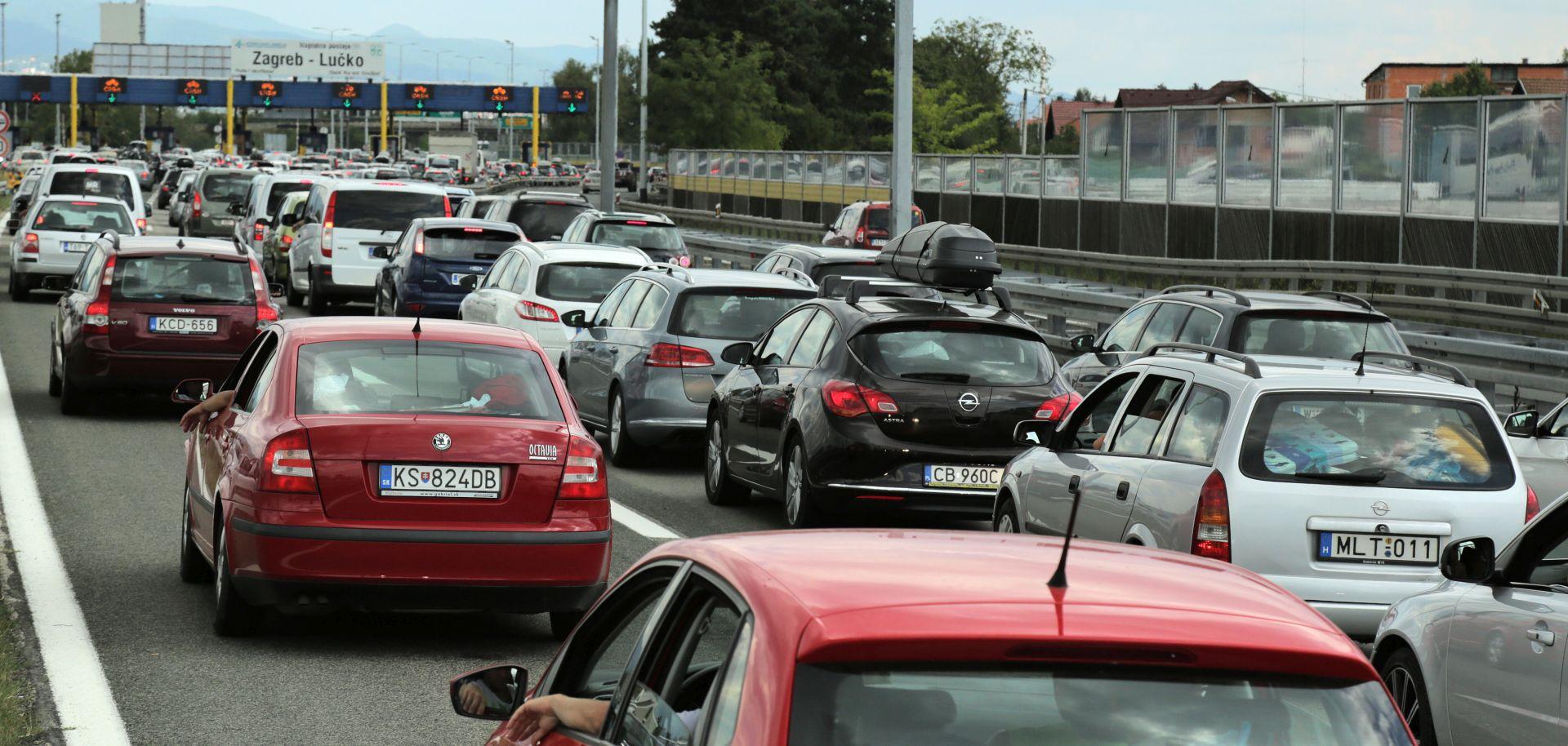HAK Promet i dalje vrlo gust, gužve, zastoji i kolone, prometna nesreća u Šibeniku