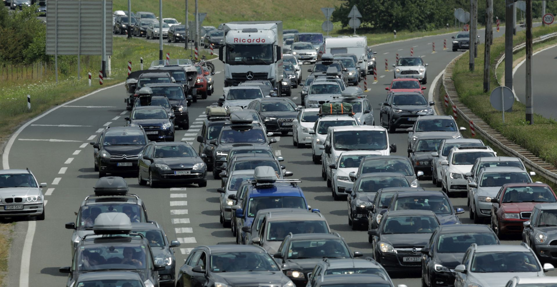 Hrvati u vrhu EU-a po štetnosti automobila za okoliš