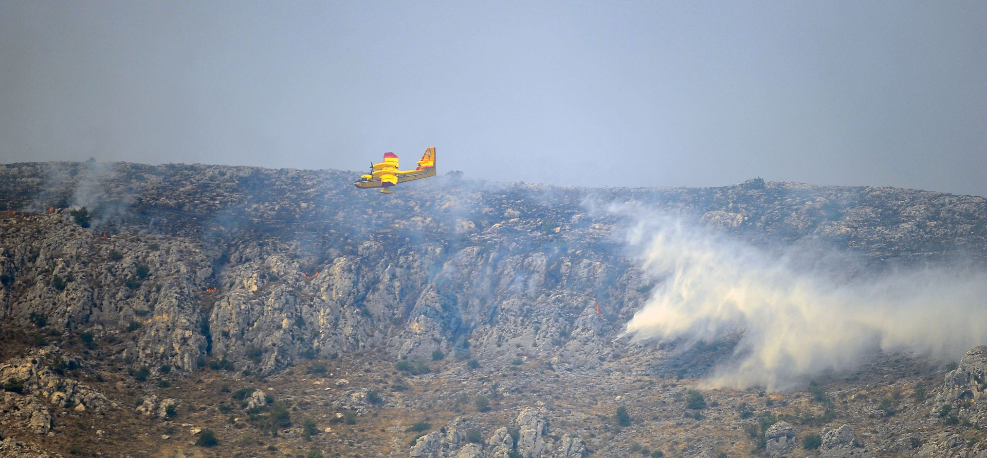 Požar na Kliškom polju ponovno se rasplamsao pa se stišao