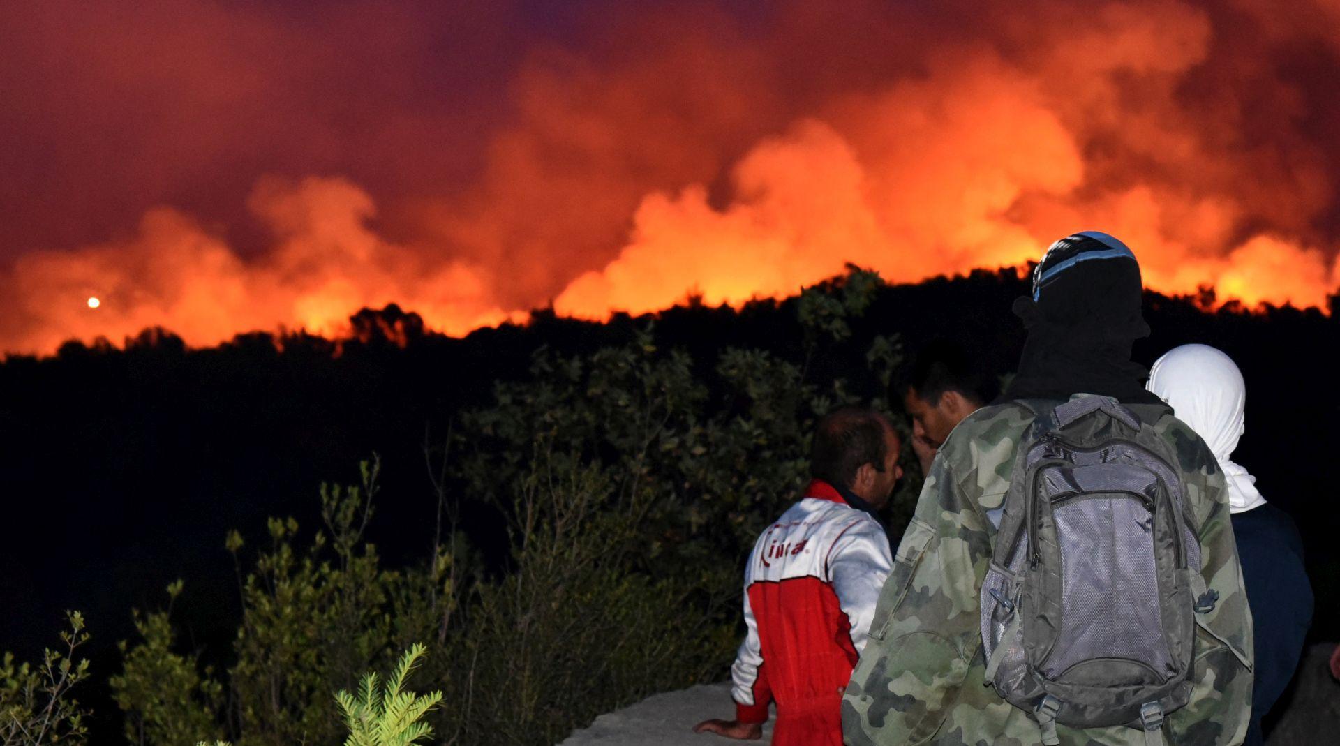 CRNA GORA Na Obosniku kritično, na Luštici požar lokaliziran