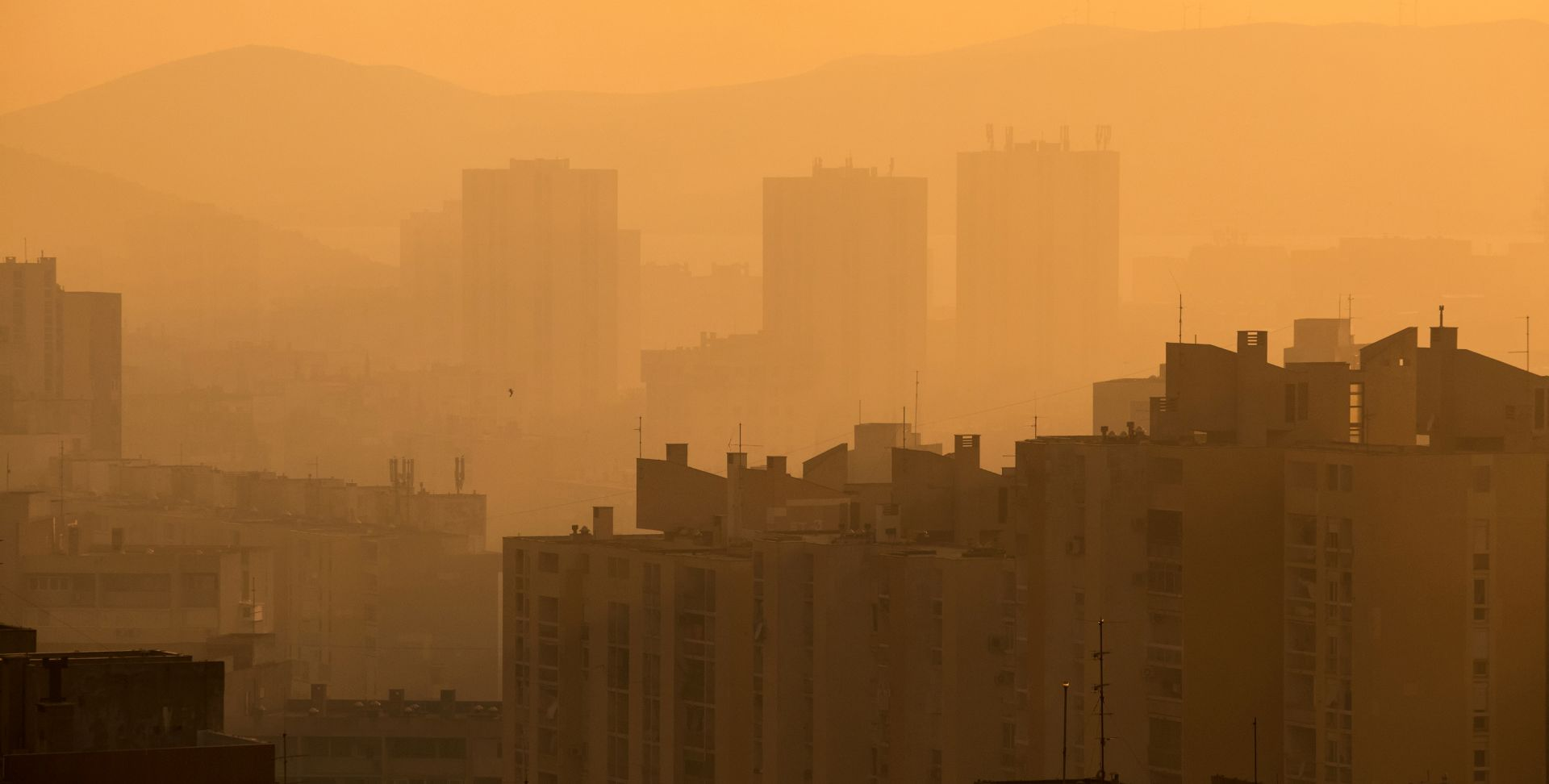 Splitski požar još nije lokaliziran, kvaliteta zraka normalna