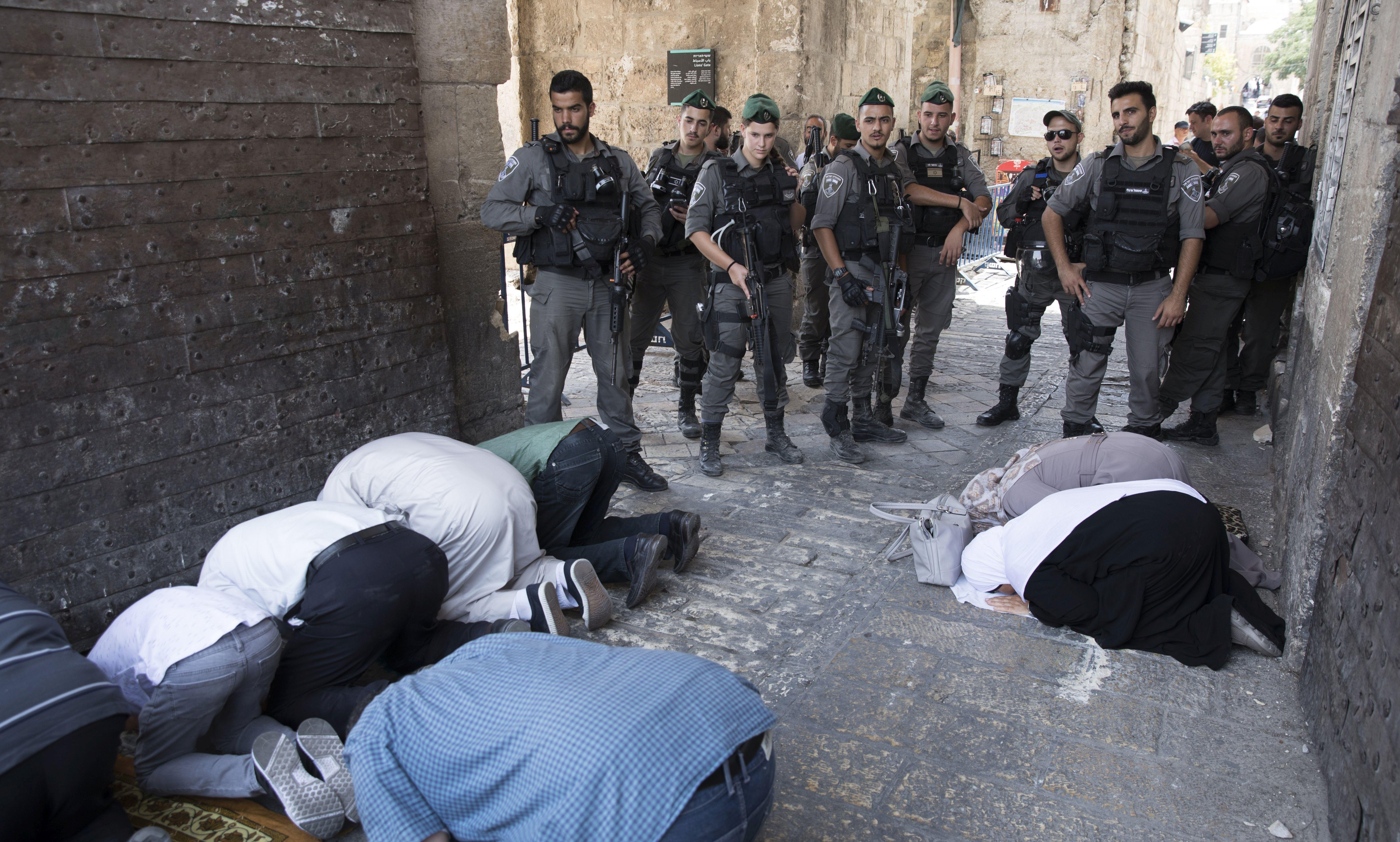 Deseci Palestinaca ozlijeđeni u sukobima oko džamije al-Akse