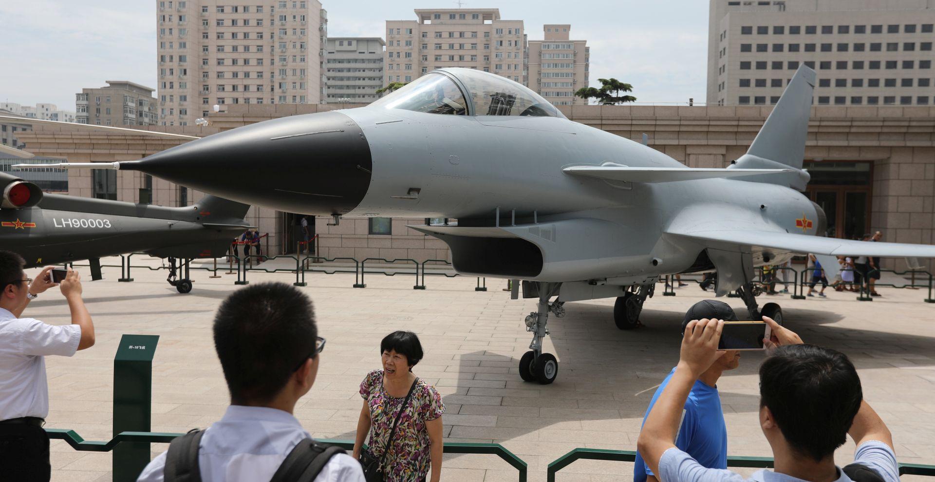 Kina svečanim mimohodom obilježila 90. obljetnicu osnutka svoje vojske