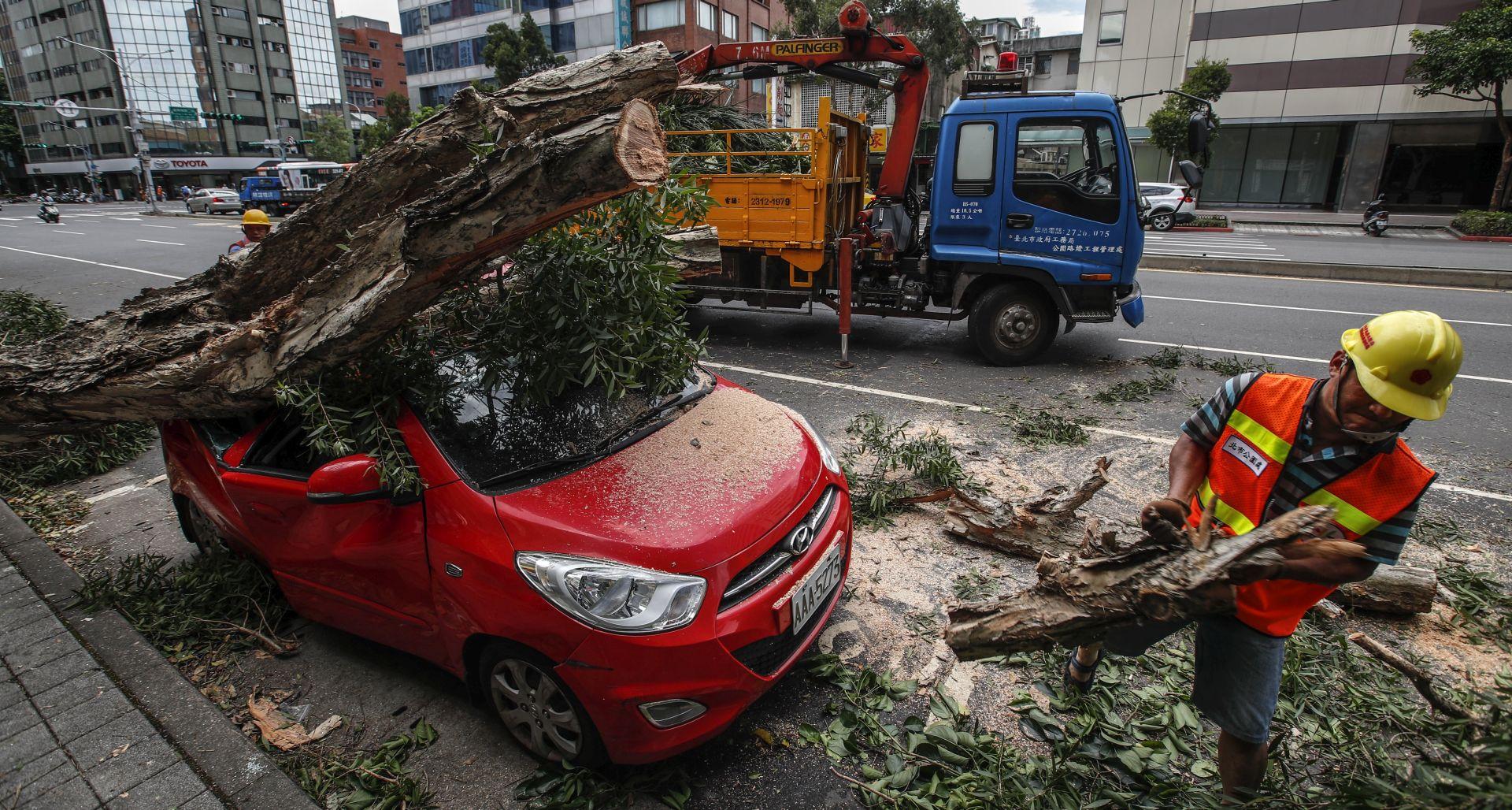 Tajfun Nesat pogodio Tajvan, ozlijeđeno više od 80 ljudi