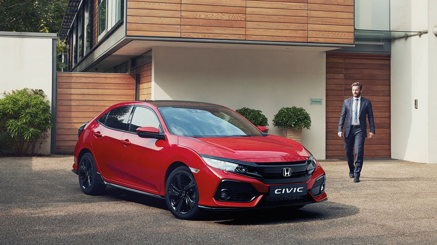 VIDEO: Industrijski dvoboj – Civic TypeR protiv Honde CBR1000RR
