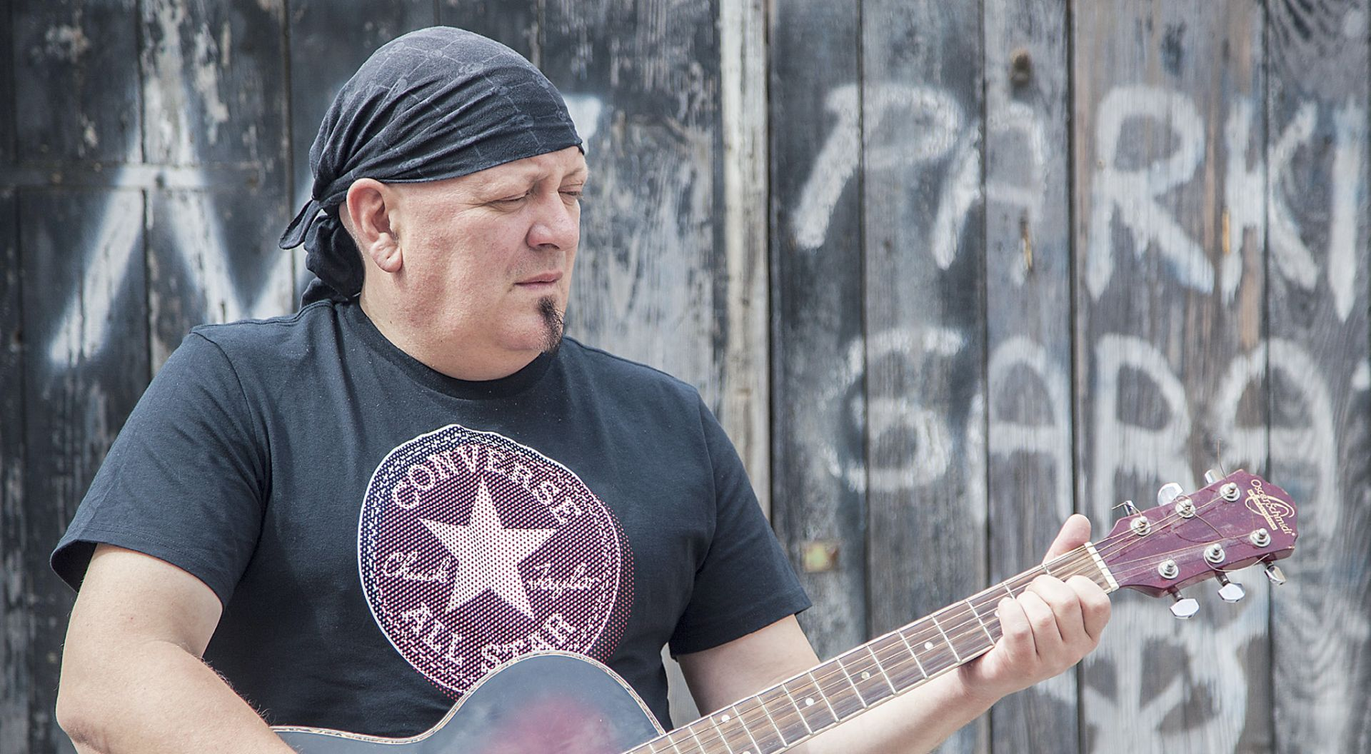 INTERVIEW: NENAD MARJANOVIĆ 'Cijeli narod trebao bi se pretvoriti u jedan veliki punk bend koji će se napokon pobuniti'