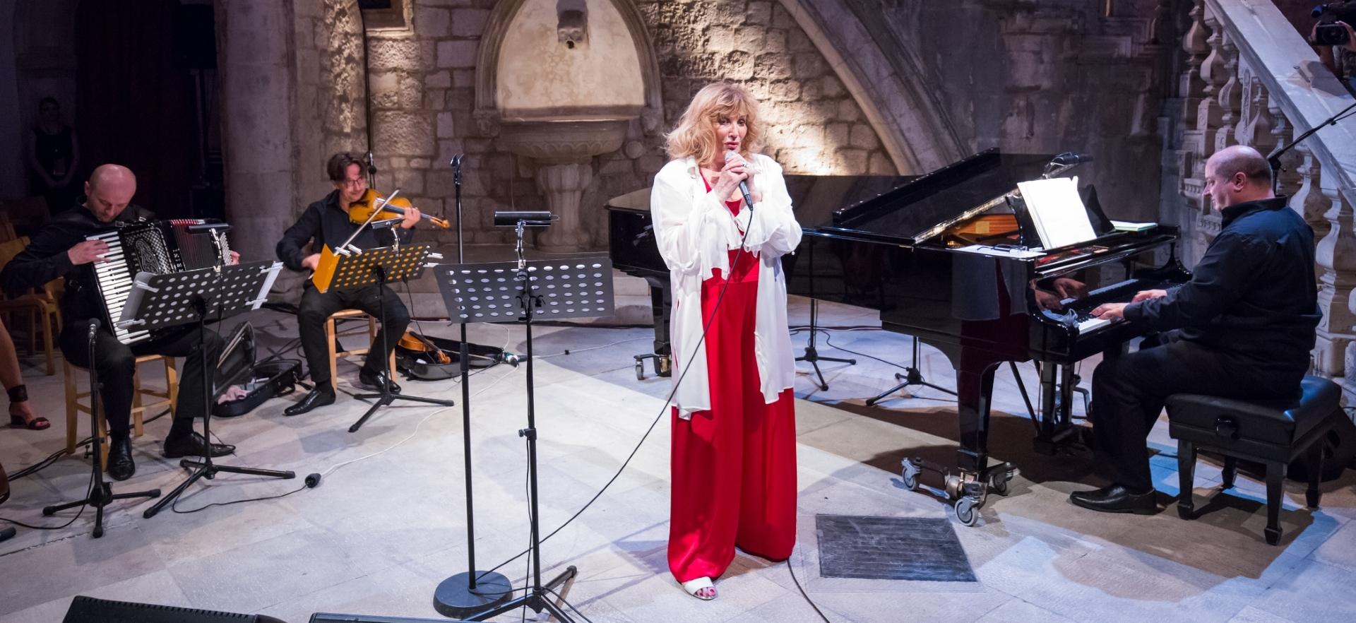 Tereza Kesovija nastupila u festivalskom programu 'Pisci i pjesnici na Igrama'