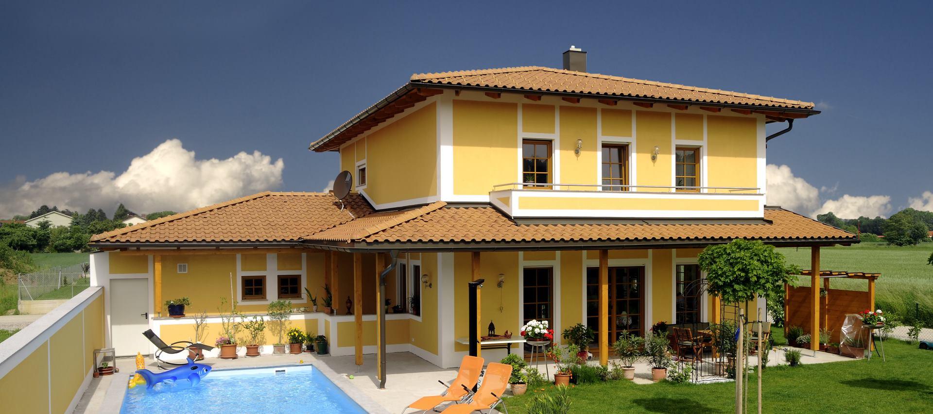 Tokom ljetnih nevremena, oštećenjima su najizloženiji krovovi stambenih i poslovnih objekta