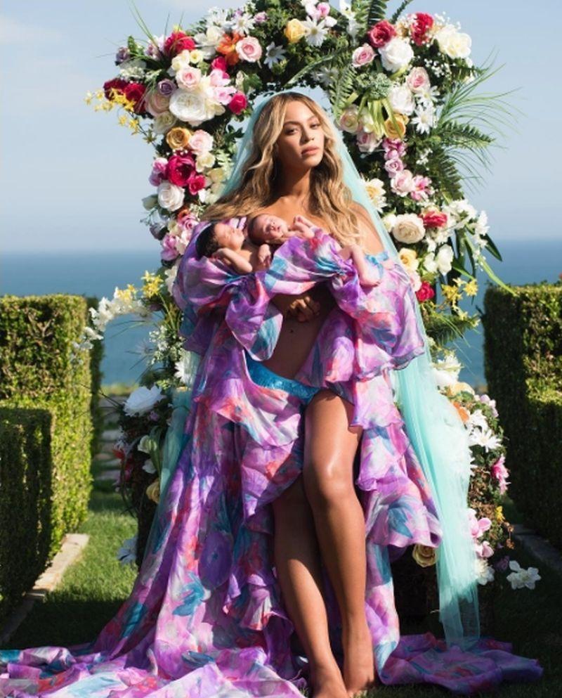 FOTO: NAKON MJESEC DANA Beyonce po prvi put pokazala svoje blizance