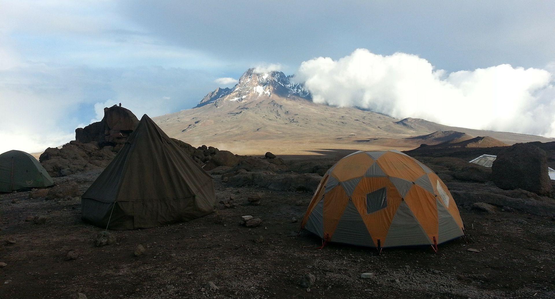 HRABRA ROXY Osmogodišnja Amerikanka osvojila Kilimanjaro