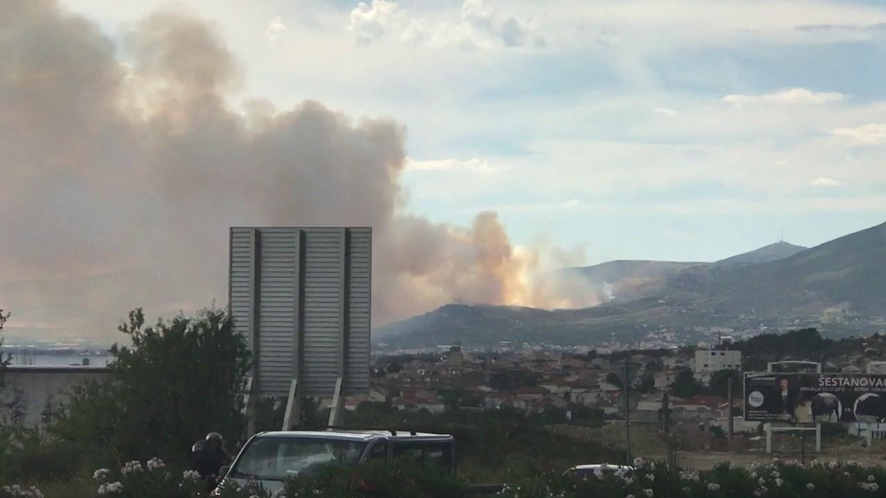 VIDEO: Veliki požar kod Trogira, otkazana polijetanja iz zračne luke
