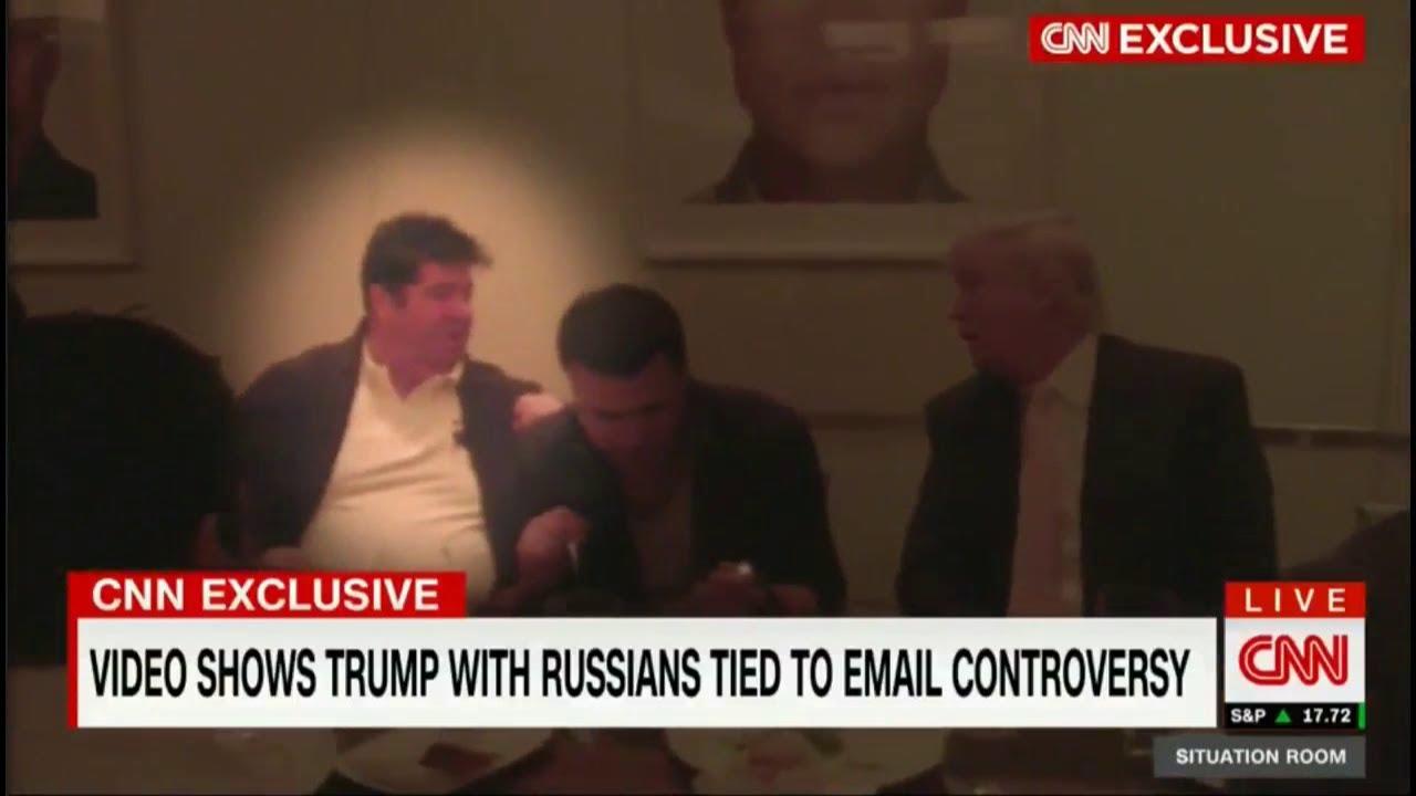 VIDEO: Trump na večeri s glavnim akterima skandala oko e-mailova njegovog sina