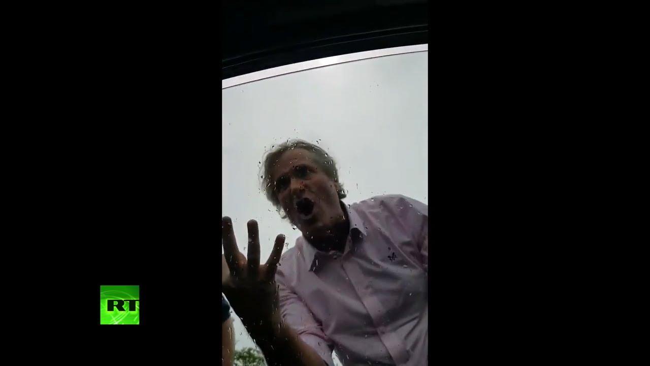 VIDEO: Poznati producent u napadu bijesa napao obitelj s djetetom