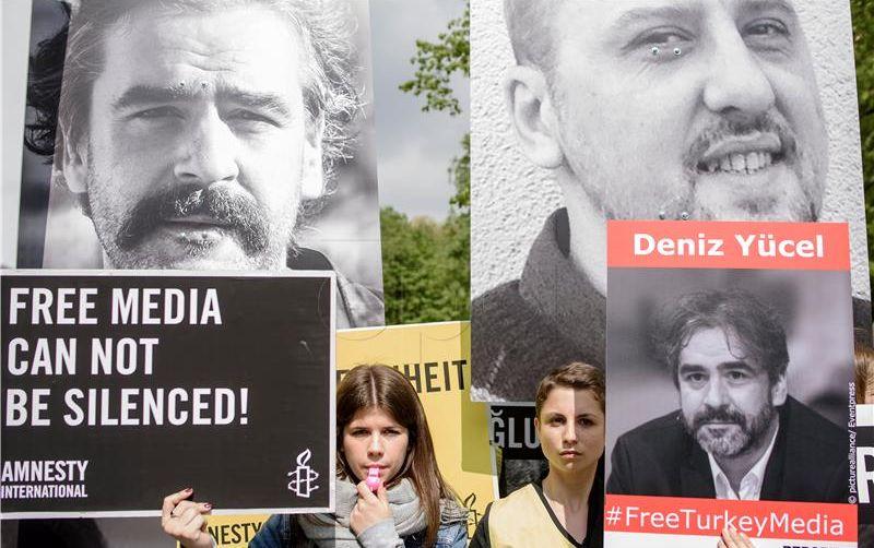 Turska privela 12 aktivista za ljudska prava