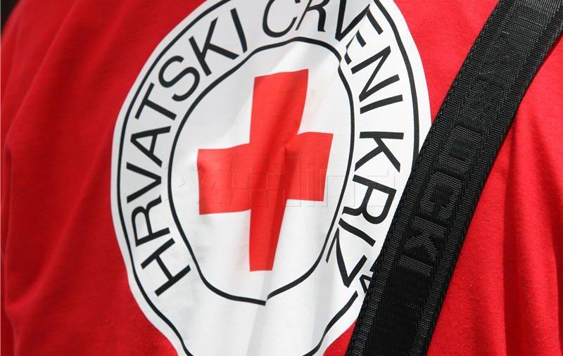 Crveni križ pruža pomoć gasiteljima požara i građanima u Dalmaciji