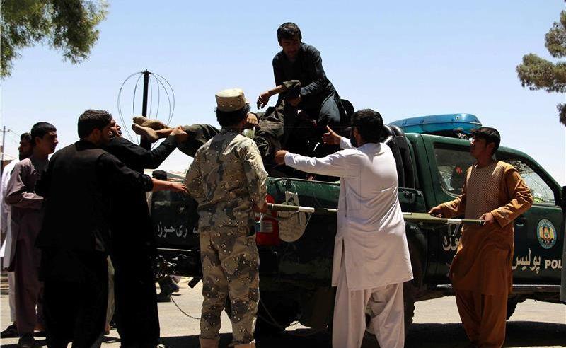 U napadu u Kabulu poginule 24 osobe, talibani preuzeli odgovornost